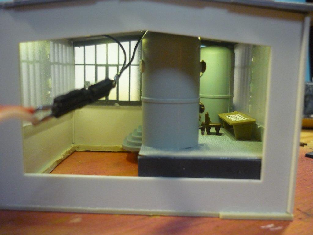 http://cyberrailer.de/Anlage-Junior/Raffinerie/Fabrik1.jpg