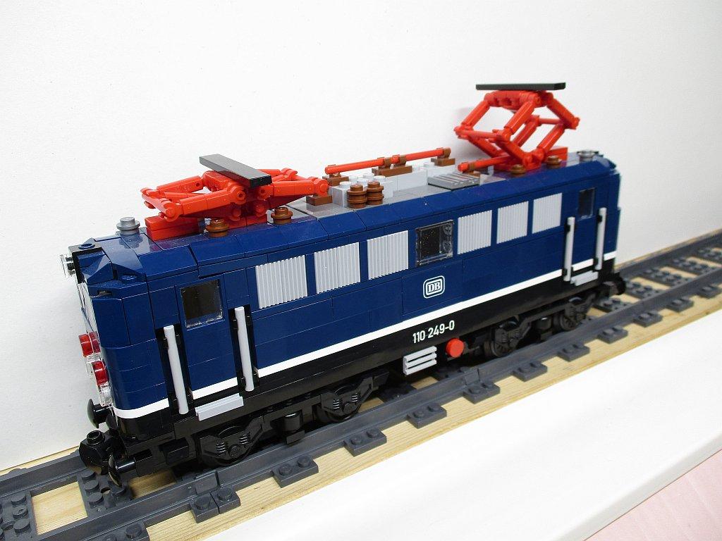 http://cyberrailer.de/Lego/110/11.jpg