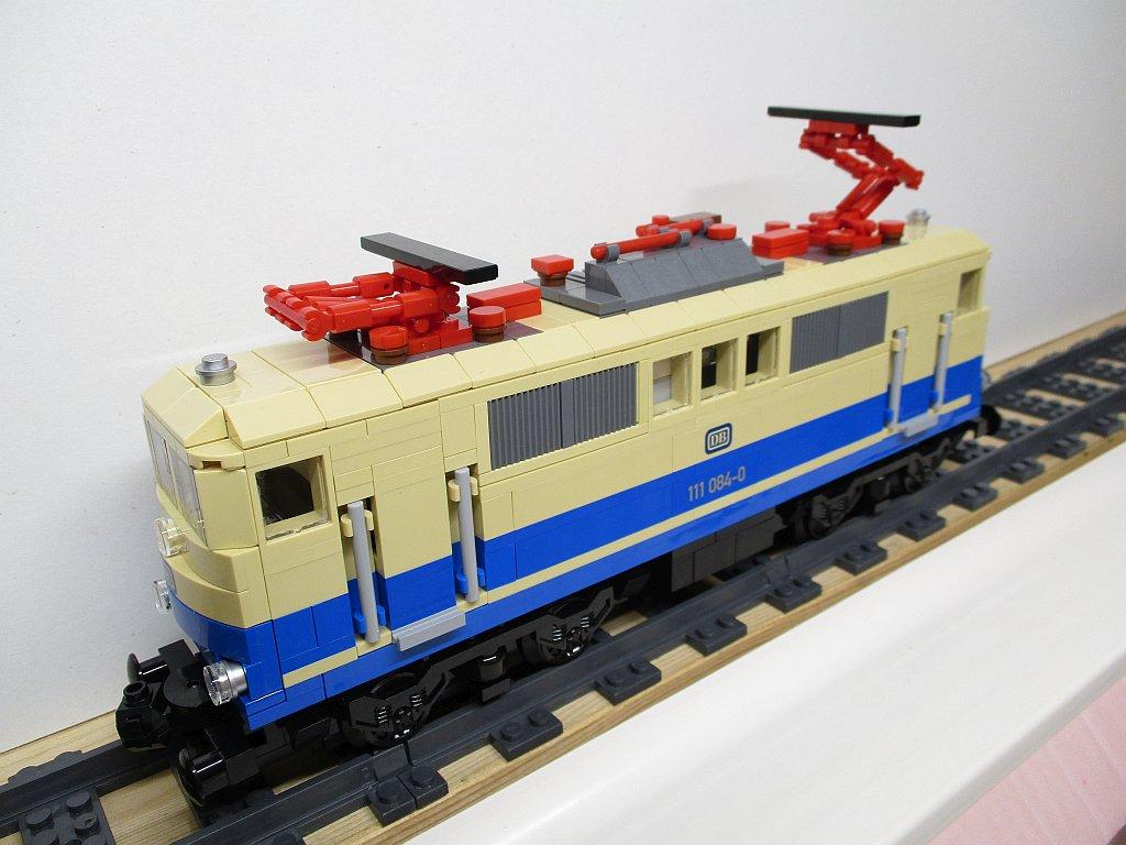 http://cyberrailer.de/Lego/111/39.jpg