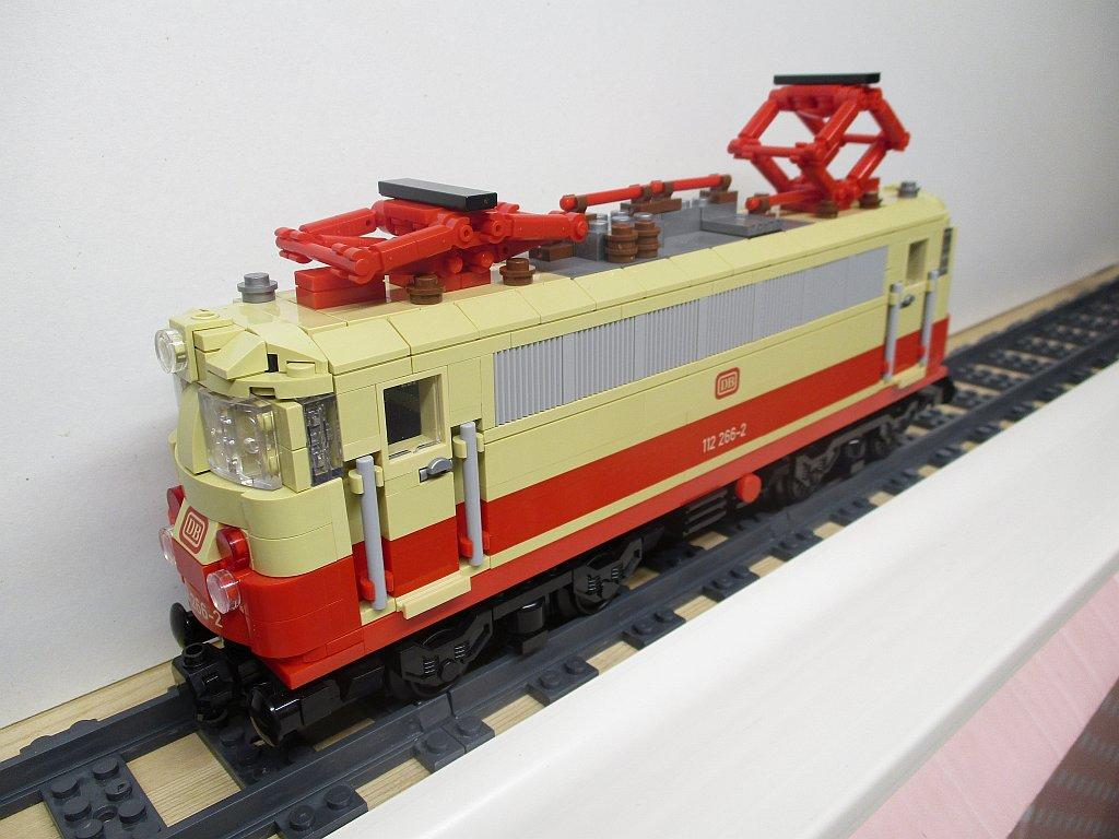 http://cyberrailer.de/Lego/112/9.jpg