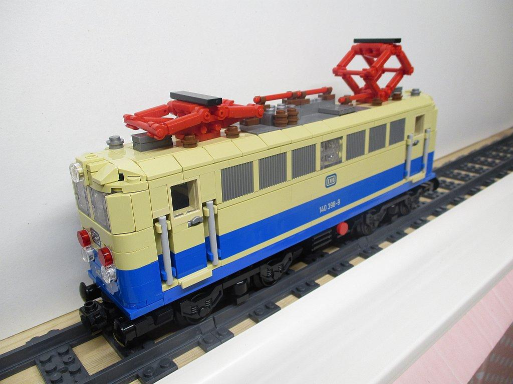 http://cyberrailer.de/Lego/140-bb/9.jpg