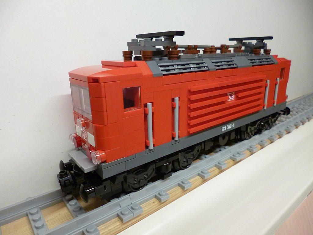 http://cyberrailer.de/Lego/143/13.jpg