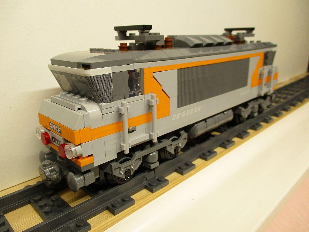 http://cyberrailer.de/Lego/22000/8.jpg