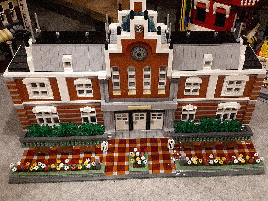 https://cyberrailer.de/Lego/Bahnhofsgebaeude2/4.jpg