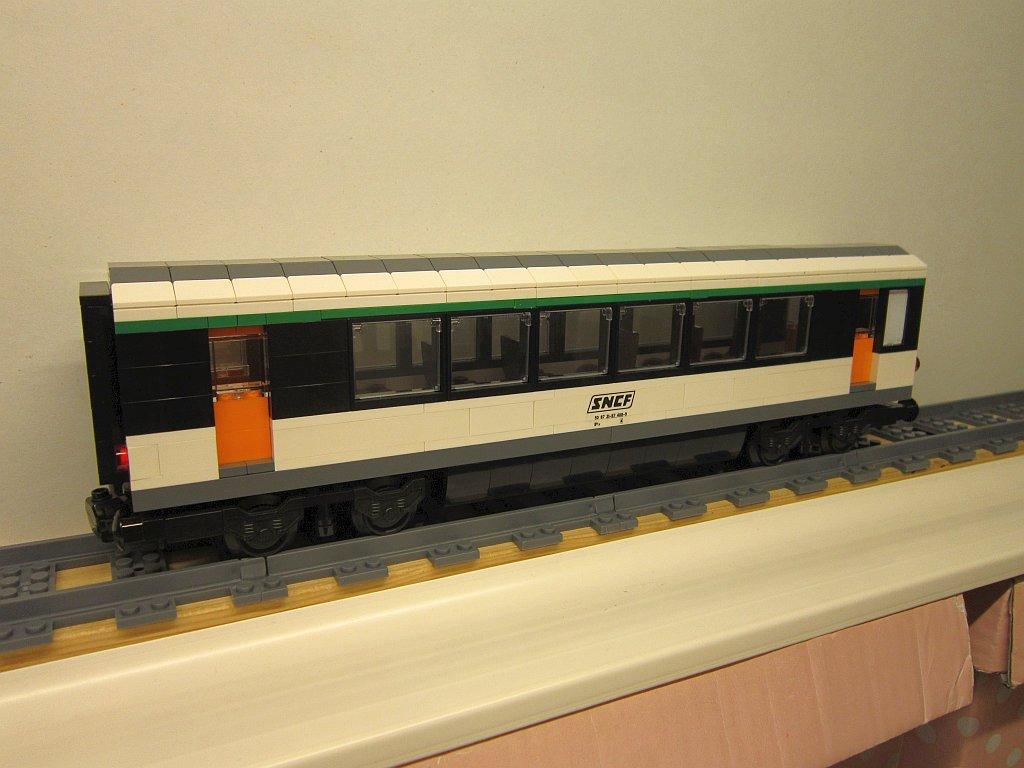 http://cyberrailer.de/Lego/Corail-Zug/24.jpg