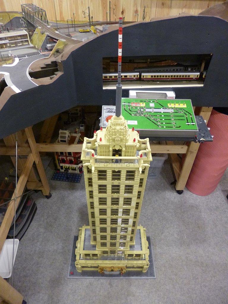https://cyberrailer.de/Lego/Haus11/13.jpg