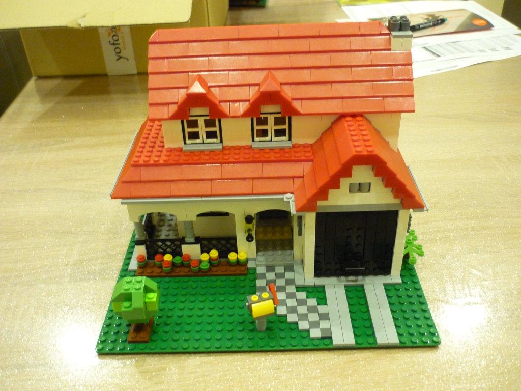 http://cyberrailer.de/Lego/Haus2/1.jpg