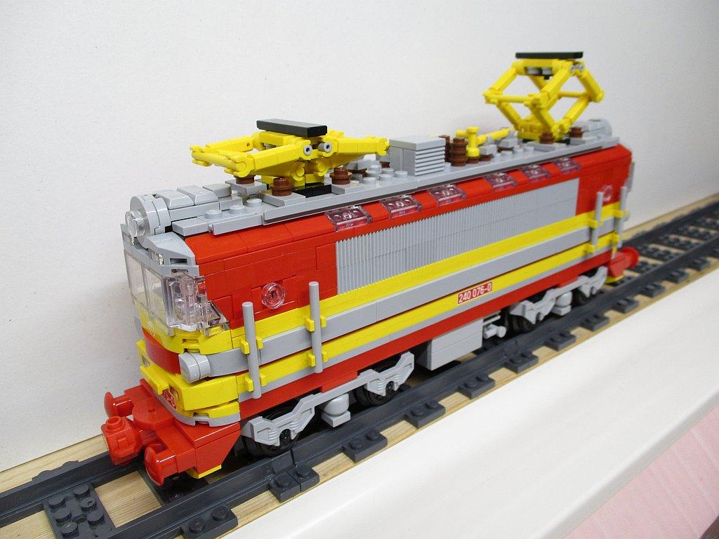 http://cyberrailer.de/Lego/Laminatka/13.jpg