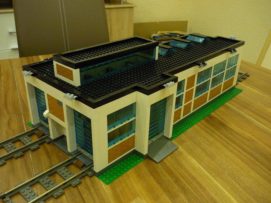 http://cyberrailer.de/Lego/Lokschuppen/49.jpg