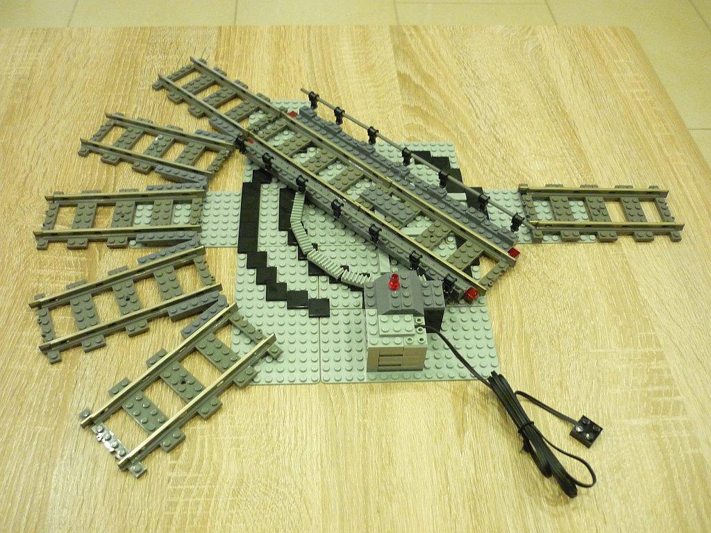 http://cyberrailer.de/Lego/Segmentdrehscheibe/3.jpg